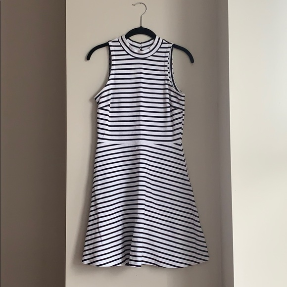 Old Navy Dresses & Skirts - Black and White Sleeveless Fit and Flare Dress